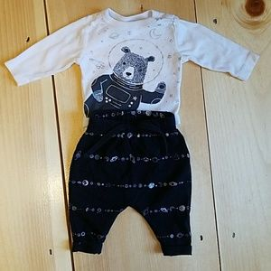 Baby 0-3 Old Navy Space Bear 2 peice outfit